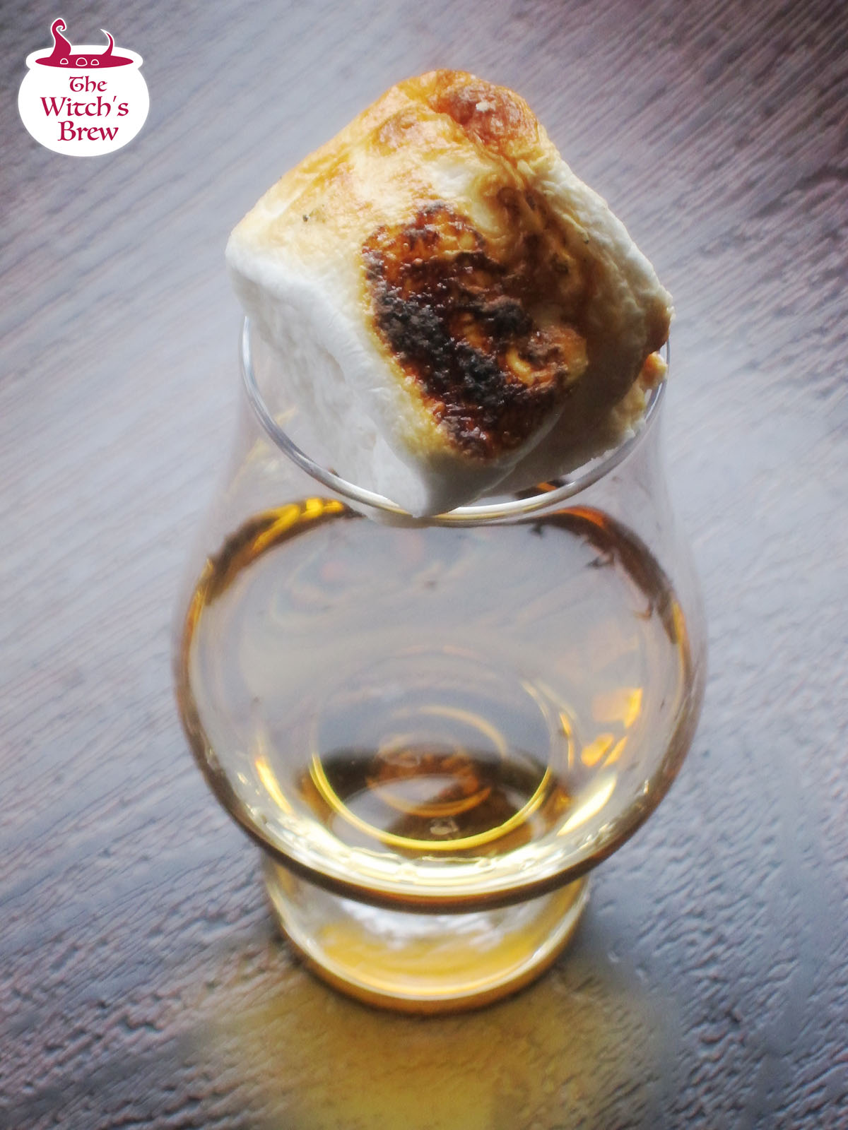 Photo : Toasted Marshmallaw Paired With Whisky Bourbon Ardbeg